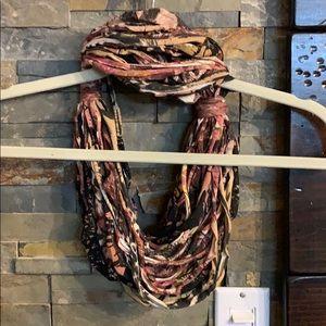 Adorable rope/fringe scarf